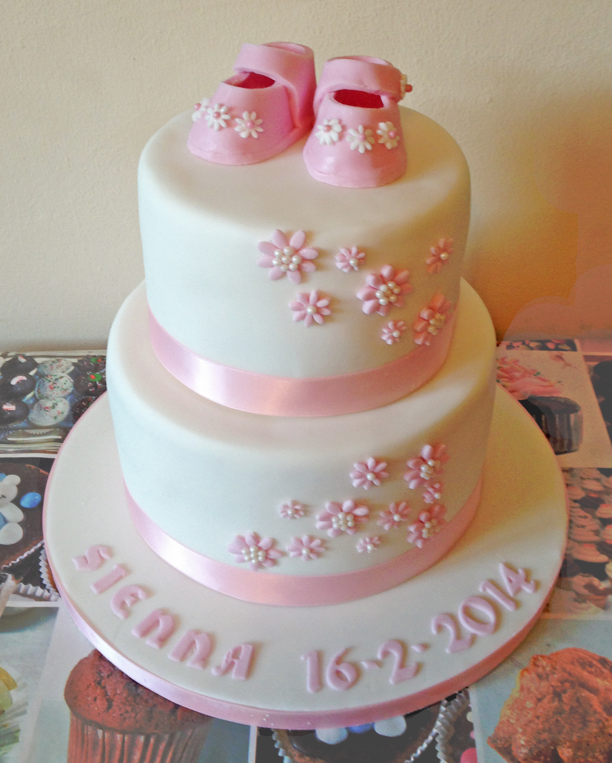 New Baby Cake Images : Special Occasion Cakes - www.midnightbaker.co.uk